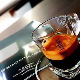 Caffe ditalia espresso in een glas kopie