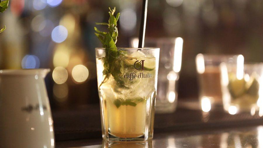 cocktail Fior di Mojito staat klaar op de bar